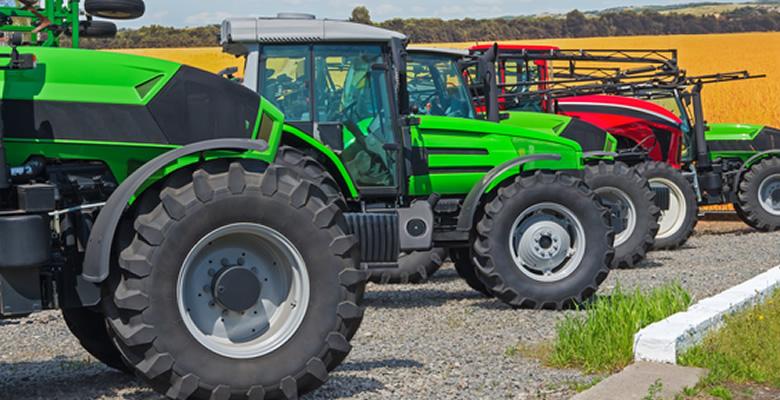 様々な仕様の農機具や車両